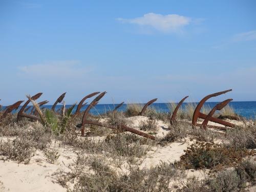 Med disse ankerne festet tunfiskerne sine labyrintgarn til havbunnen